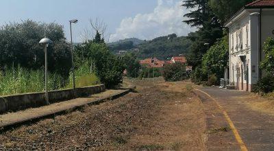 Quasi completati i lavori di sfalcio sull'ex sedime ferroviario